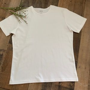 Talbots Classic  S/S White Tee. Loose Fit size Med